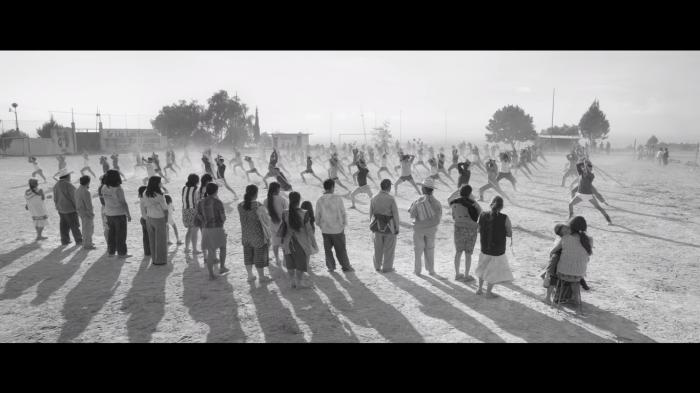 Coreografía montada por el maestro Kim Yang Tae para la película Roma. | Captura de Netflix
