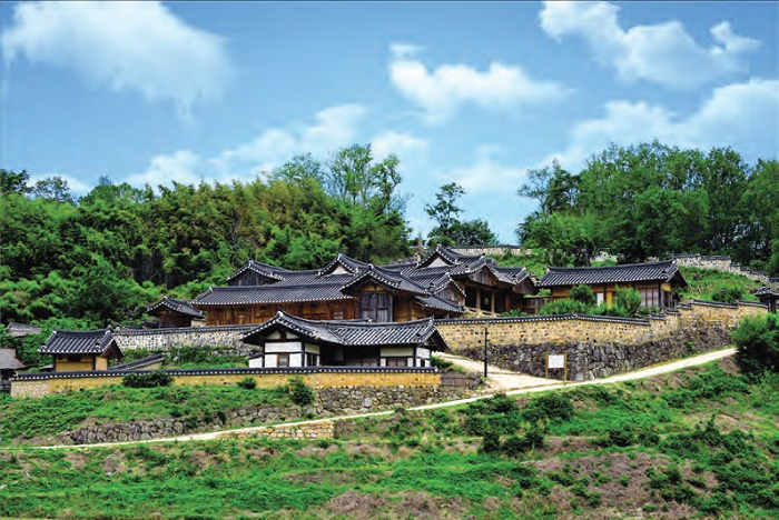 Yangdong Village in Gyeongju. A village that has maintained the traditional lifestyle for over 500 years